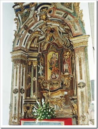 S Miguel de Refogos - Altar da Igreja (Foto cm-cabeceiras de basto)