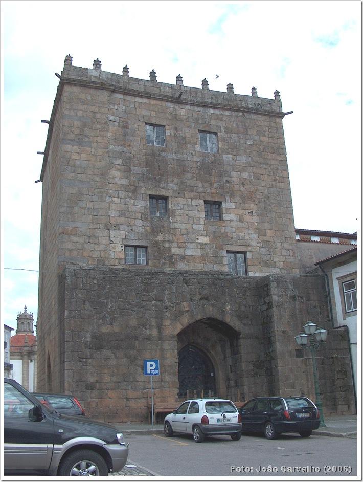 Torre Barcelos - Foto Joao carvalho 2006