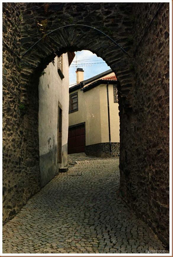 Castelo de Vinhais - www.monumentos.pt - 2