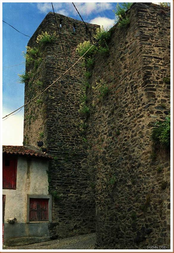 Castelo de Vinhais - www.monumentos.pt - 3
