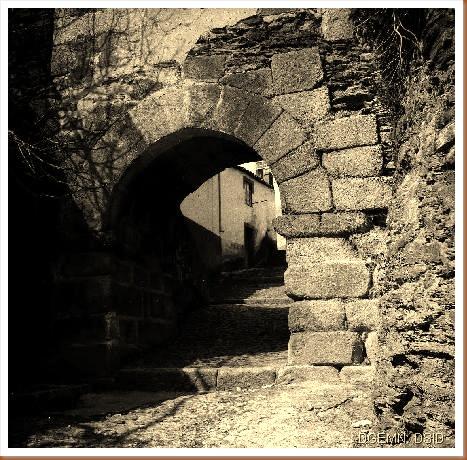 Castelo Torre de Moncorvo - Braganca - 1 - www.monumentos.pt