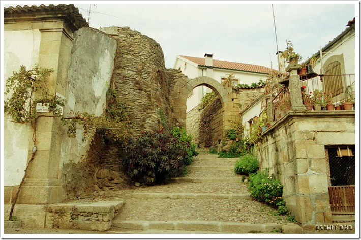 Castelo Vila Flor - Braganca - www.monumentos.pt