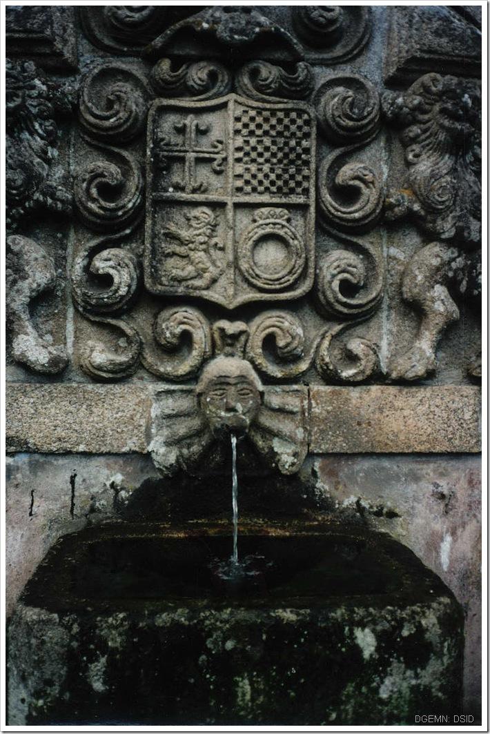 Fonte no Jardim Casa cabanelas - Bustelo - Penafiel - foto www.monumentos.pt