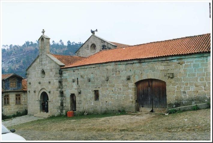 Mosteiro de São Miguel de Vilarinho - Santo Tirso - Foto www.monumentos.pt