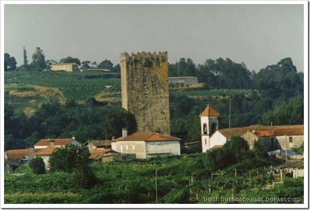 Torre de Lapela - Monçao - V do castelo - www.monumentos.pt