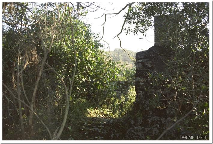 Torre do Castelo Aguiar de Sousa - Restos - Foto www.monumentos.pt