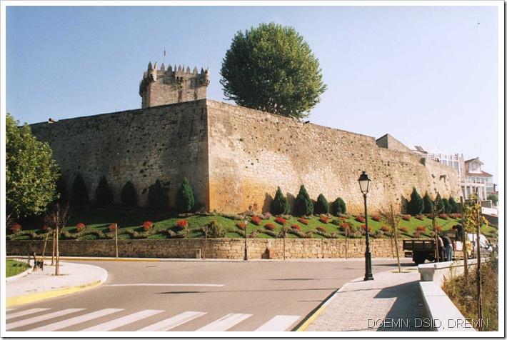 Castelo de Chaves - www.monumentos.pt - 2