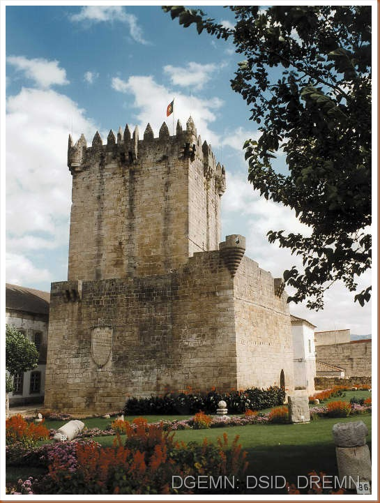 Castelo de Chaves - www.monumentos.pt - 3