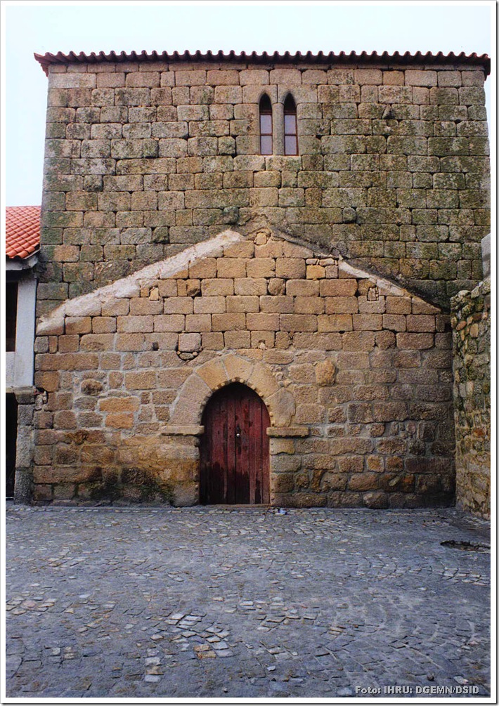 Torre de Ferreira de Aves - Satão - Viseu - Foto www.monumentos.pt