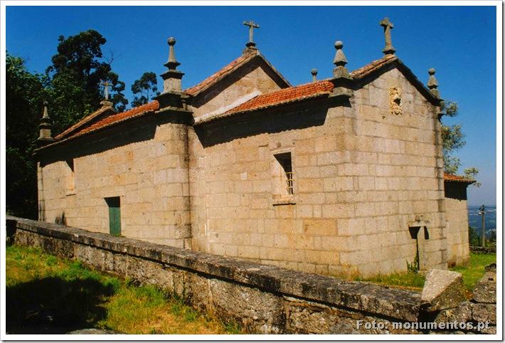 Capela Santa Cruz - Burgães - Santo Tirso - www.monumentos.pt