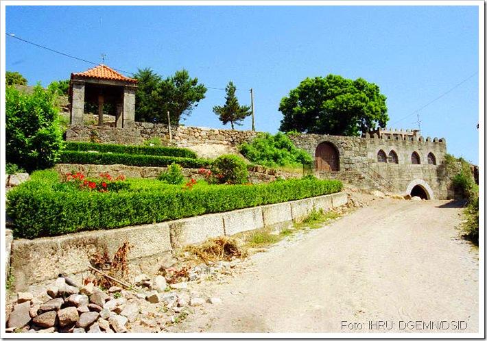 Castelo de Sernancelhe - Viseu 1- www.monumentos.pt
