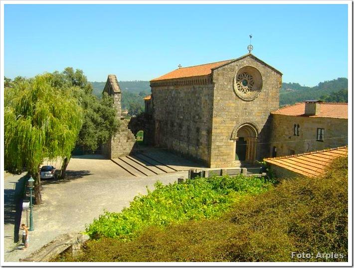 Igreja S Pedro de Roriz - Foto Arples