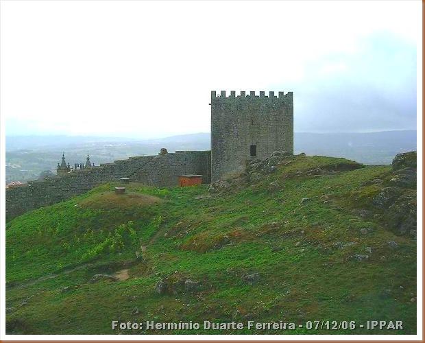 Castelo Celorico da Beira - Hermínio Duarte Ferreira 07-12-2006 -IPPAR 1