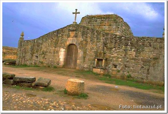 castelo de alfaiates - foto tintaazul