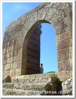 Castelo de Avô - IPPAR 2005 - 2