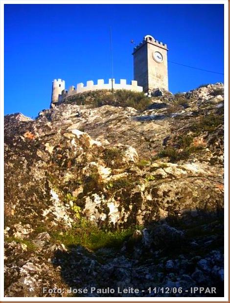 Castelo de Folgosinho - Foto José Paulo Leite - 11-12-06 - IPPAR